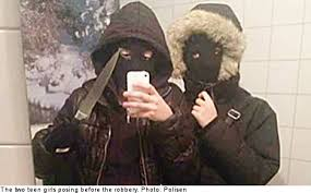 Teenager Stabbed and Robbed inVårberg