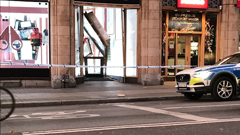 Smash and Grab Coup in Stockholm – Witness Threatened With aGun