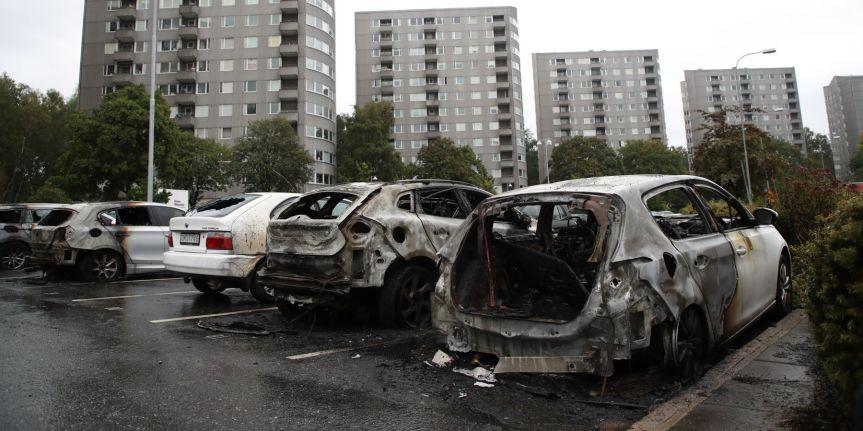 Car Fires Last Night in Biskopsgården andTrollhättan